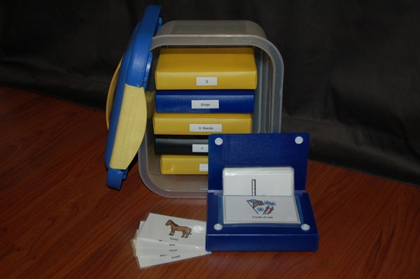 Five ways to organize PECS picture cards.