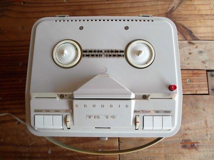 Amplificador y Cabezal Adaptación De Grabador Grundig TK-14. Cabezal y Amplificador hecho a partir de grabador de cinta abierta Grundig (modelo TK-14, fabricado en 1963)   Conserva el circuito original y su sonido vintage, con triple etapa de amplificación y High Gain.   Diseñado con válvulas de pre y amplificador 12ax7 y salida clase A. Posee parlante de alnico original.
