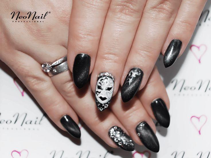 Czarne paznokcie hybrydowe magnetyczne / NeoNail