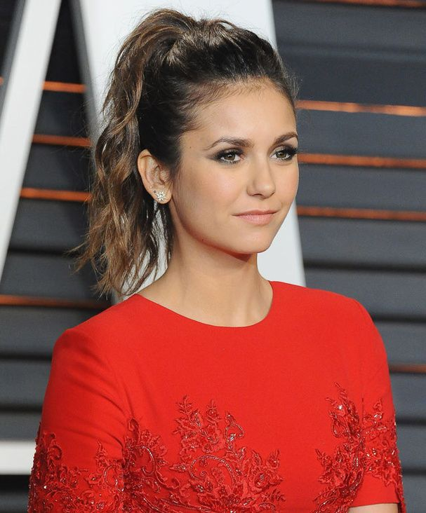 La queue-de-cheval de Nina Dobrev