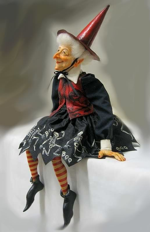 A gorgeous witch doll for Halloween from Sheila Bentley (primdolly) ...wonderful doll artist