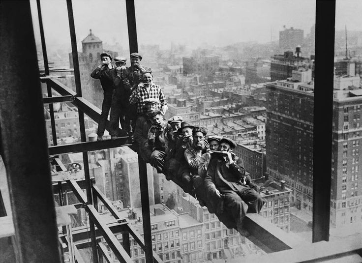 легендарное фото обед на высоте знать, как аккуратно