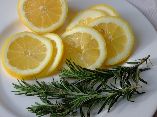 Make Your Home Smell Like Williams Sonoma One Lemon
