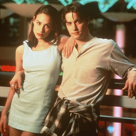 Claire Forlani and Jeremy London, Mallrats
