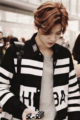 This picture of luhan actually got a fan art after it