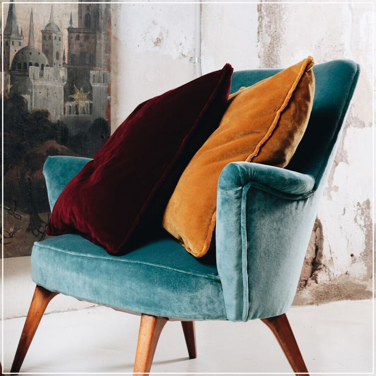 London (guell-lamadrid.com): velvet gives your home the sophisticated glamour you can't get from any other fabric #collection2016 #velvet #colors #london #home #homedesign #homedecor #decor #decoration #homesweethome #interior #interiordesign #lovely #cute #textiles #textildesign #fabric #pattern #texture