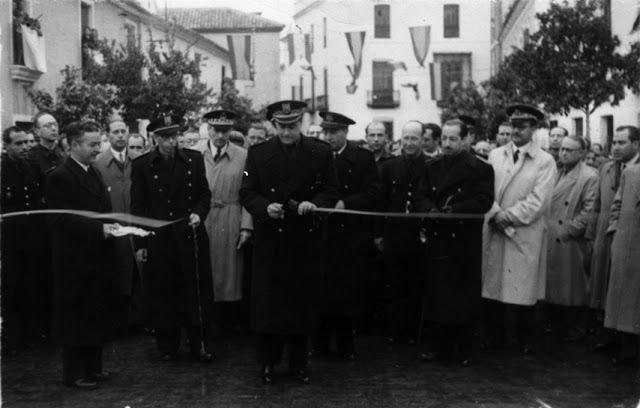 Inaguracion de la plaza de España 1944