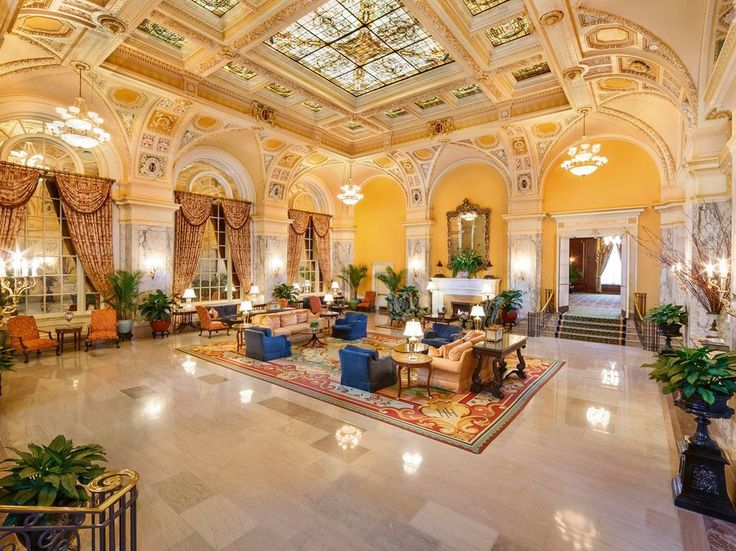 The Hermitage Hotel in Downtown Nashville is the grande dame of downtown lodging, a 1910 Beaux Arts edifice offering luxurious rooms decorated in classic style with modern comforts with luxurious linens and protypical Southern hospitality to guests since the early 20th century. #Nashville #MusicCity