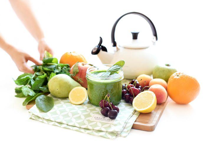 Cuídate por fuera y por dentro. Desayuna un zumo verde como el de Elsa Pataky, calza tus deportivas y a caminar.