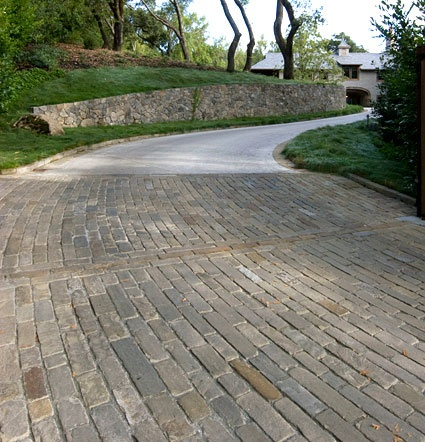 Landscape Stone – Ironwood Sandstone Cobbles - Natural Cleft, Chopped Tumbled Finish