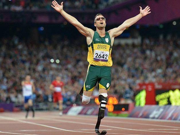 10. Oscar Pistorius - O velocista sul africano Oscar Pistorius ganhou destaque mundial por seu desempenho acima da média nos 100, 200 e 400 metros rasos – categorias em que levou ouro em 2008. Sua tentativa de classificação para os Jogos Olimpícos de Pequim não foram bem sucedidas, mas, quatro anos depois, ele participou das provas dos 400m e do revezamento 4 x 400m. > oscar-pistorius-afp