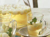 Melonenbowle Rezept | EAT SMARTER