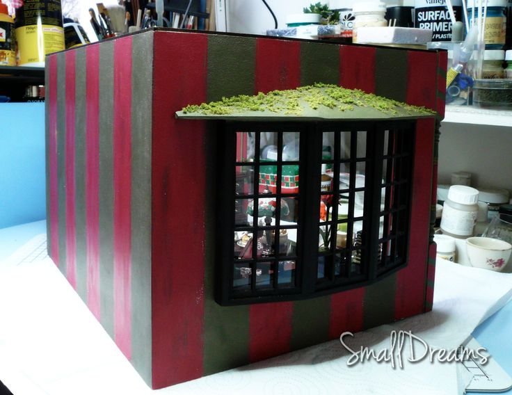 Christmas in miniature room box.