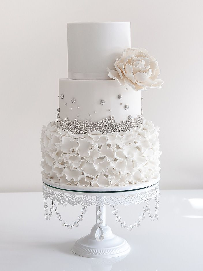 Ruffles Silver Pearls Cake Im In Love With This It