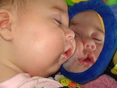 foto anak bayi lucu tidur