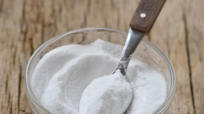 """Peeling mit Natron - Natron gibt es in Drogerien oder Apotheken zu kaufen - auch bekannt unter """"Kaiser Natron"""" und """"Bullrich Salz""""."""