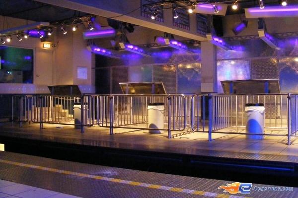 12/13 | Photo du Roller Coaster Euro Mir situé à @Europa-Park (Rust) (Allemagne). Plus d'information sur notre site http://www.e-coasters.com !! Tous les meilleurs Parcs d'Attractions sur un seul site web !! Découvrez également notre vidéo embarquée à cette adresse : http://youtu.be/wEM_IozURDg
