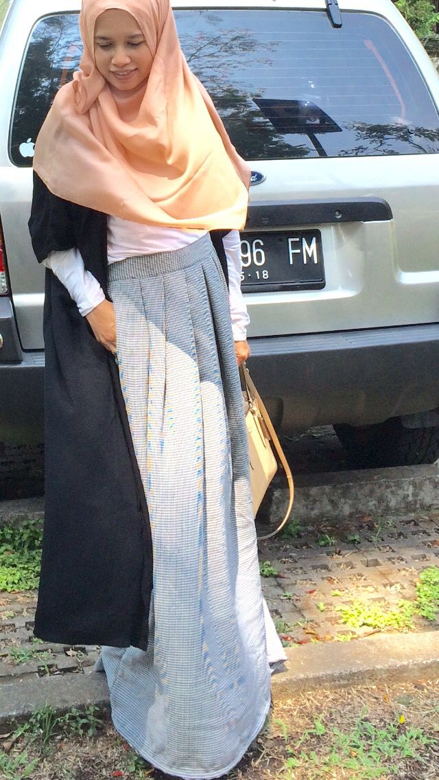 Only @kamiliaSyar'i with humaira skirt & fatimah outer