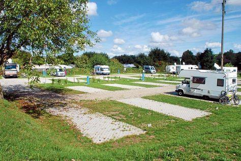 Stellplatz-Tipp Kaiserstuhl: Am Camping Müller-See - PROMOBIL