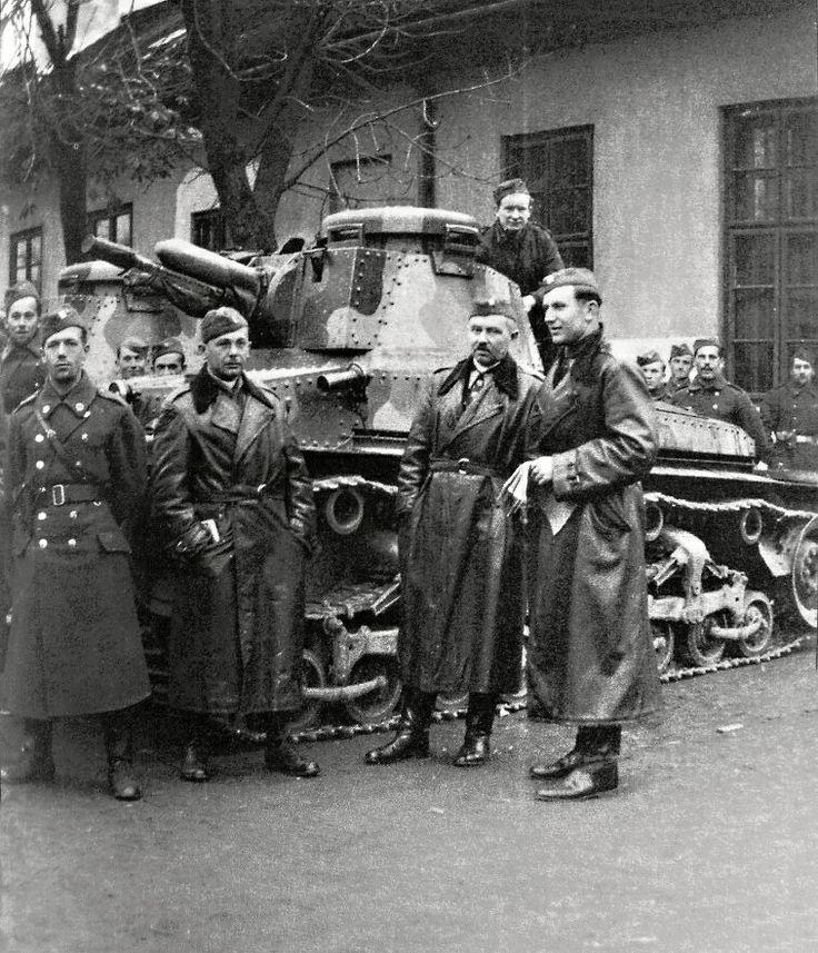 LT35. První tanky armáda odebrala ve Škodě 21. prosince 1936. Firma celou dodávku splnila dohotovením posledních tří vozidel 8. dubna 1938..