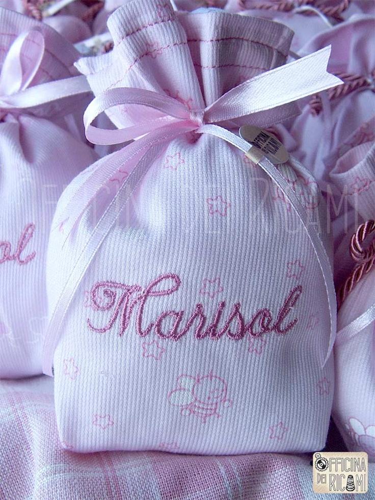 "Model: ""Alberta""  #handcrafted #embroidered little sachets boxes or bags, customized with confetti in them, that you give away at #birth #birthday #communion #confirmation #baptism | #bomboniere sacchetti #portaconfetti per #nascita #compleanno #comunione #cresima #battesimo completamente personalizzabili e made in Italy"