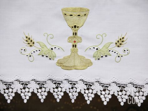 altar decoration with cloth 125 best images about altar table cloth on 10339