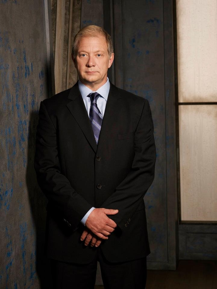 Jeff Perry as Cyrus Beene same Jeff Perry that was Harvey  on Nash Bridges?:)