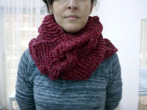 Infinity scarf της Α πλεγμένο με διπλό νήμα σε υπέροχο συνδυσμό.Σεμινάριο Πλέξιμο με Βελόνες Α΄Κύκλος.