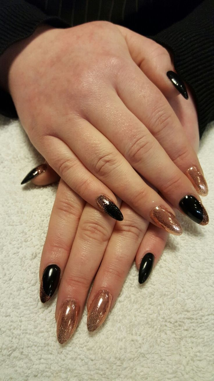 A Classic Look CND Shellac (Black Pool) with CND Rose Gold Additive