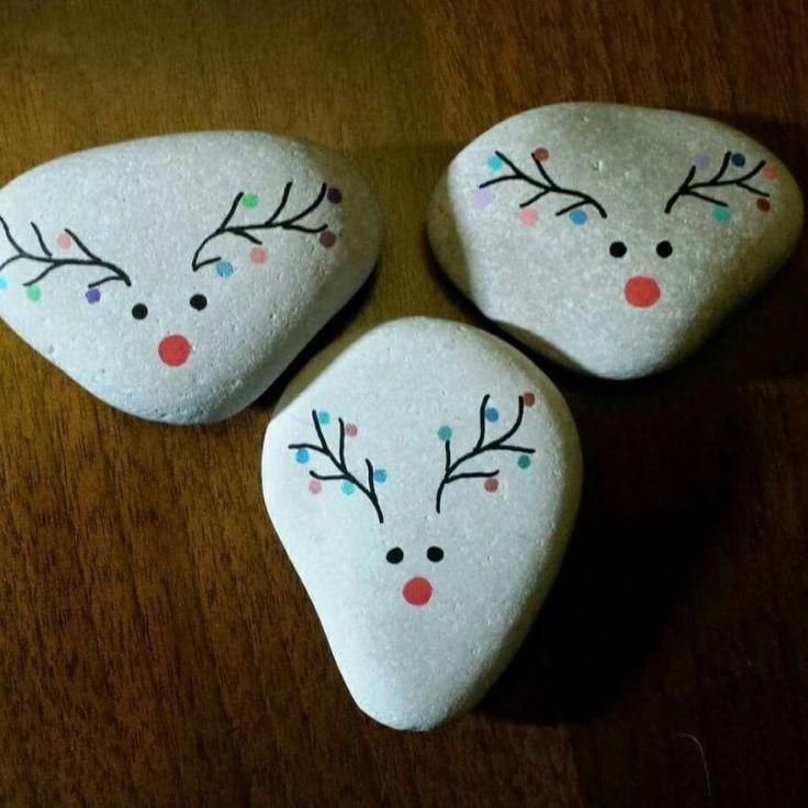 Christmas Painted Rocks Ideas 17 monette straily