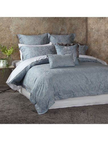 Create a sense of calm to your bedroom with this Domani duvet cover set.