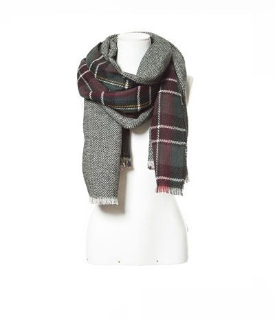 Image 2 of DOUBLE-SIDED SOFT CHECKED SCARF from Zara