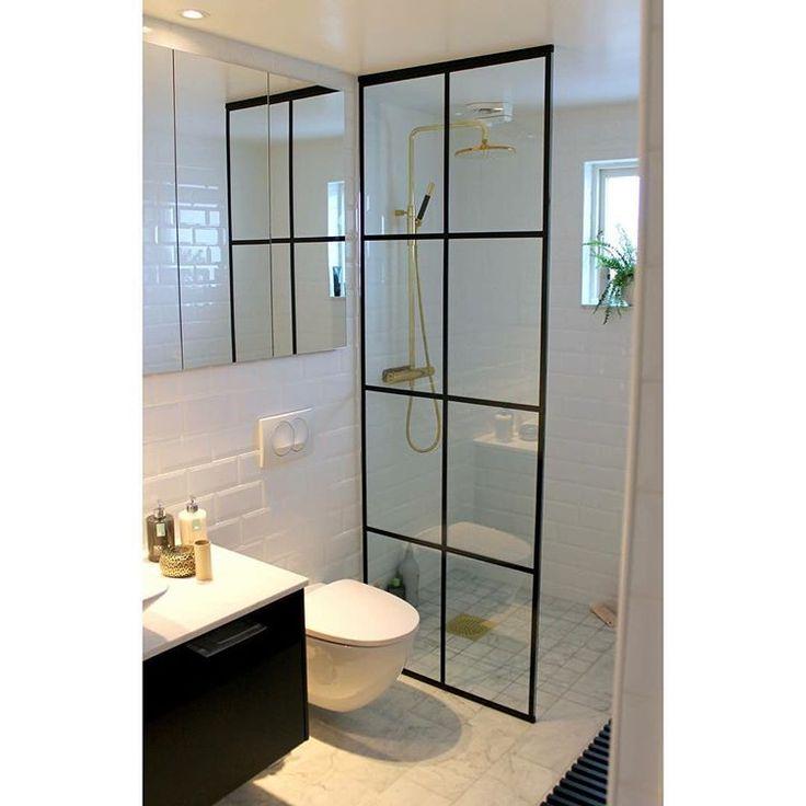 Specialdesignad duschvägg med svartlackerad spröjs✨#ErikssonsGlas #MRSvets #Glasmästeri #Norrköping