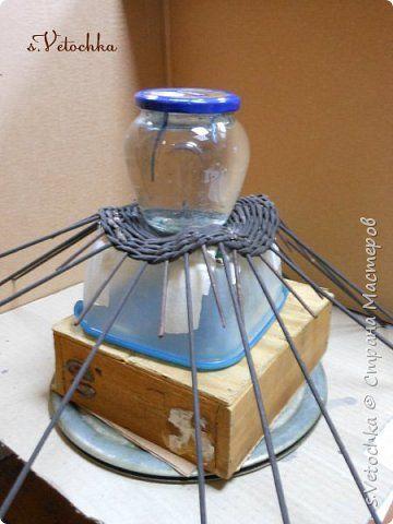 """lábas kosár В предыдущем посте плела вазу на ножках. http://stranamasterov.ru/node/1065772   Захотелось попробовать еще раз эту форму, но сделать пониже. Уже больше похоже на """"пузатиков"""" Анжелики. http://stranamasterov.ru/node/1062777 Не очень довольна полученным  результатом. :( Но мое любопытство было удовлетворено. фото 17"""