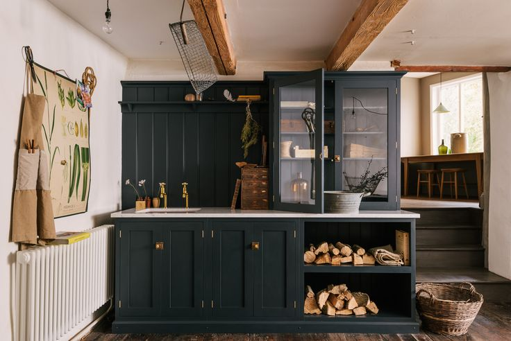The most perfect, rustic and cool Utility Room using cupboards from deVOL's Real Shaker Kitchen range