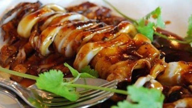 Resep Masakan Cumi-Cumi Saus Tiram Resep Masakan Cumi-cumi Saus Tiram – Bumbu masakan dengan saus tiram, rasanya akan gurih lezat dan menggoda selera. Jika anda punya cumi, cumi disini bukan (cumi = cuma miskol) namun hewan laut yang tekstur dagingnya lembut, sepertinya kalau diolah sedemikian rupa akan tercipta masakan...  http://foodfocus.info/resep-masakan-cumi-cumi-saus-tiram/?utm_source=PN&utm_medium=Resep+Bunda&utm_campaign=SNAP%2Bfrom%2BFoodfocus.info