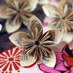 newspaper flowers: Paper Craft, Idea, Kusudama Flower, Paperflowers, Art, Paper Flowers, Origami Flower, Book, Diy