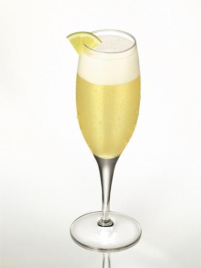 Otros Cócteles    Mistral Sour    Ingredientes:  -3 medidas de Pisco Mistral de 40˚  -1 medida de jugo de limón  -1/2 limón de pica  -1 cuchara sopera de azucar flor  -1 lágrima de clara de huevo  -Hielo en cubos    Preparación:    Exprimir un limón de pica y colocarlo junto a los ingredientes en una coctelera. Agitar vigorosamente y servir con hielos a gusto.