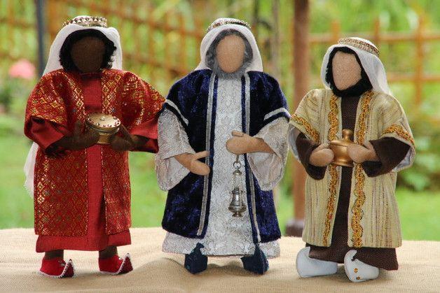 **Gerne können Sie auch nur die Kleidung und Ausstattung erwerben - bitte fragen Sie nach ! Info finden Sie in meinem Shop: www.erzählfiguren-shop.de**  Als Jesus zur Zeit des Königs Herodes in...