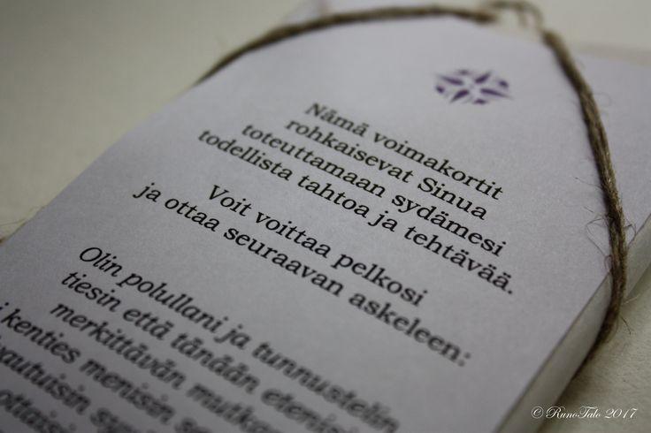 Voimakorttipakka Tietyssä pisteessä – Runotalon voimakorttikauppa