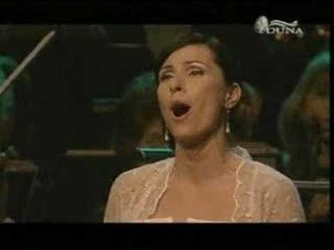 Erika Miklósa Madárka, madárka - Hungarian folk song -- In memoriam József Gregor bass - YouTube
