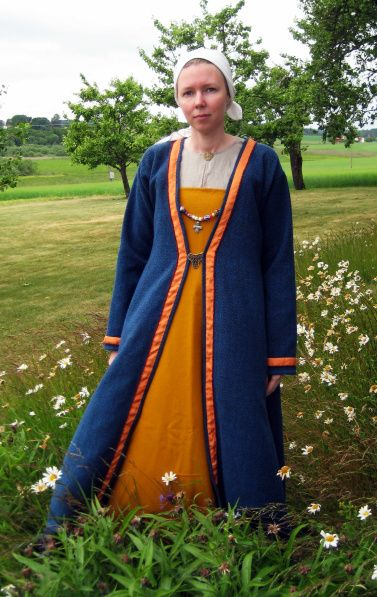A Viking Coat or Kaftan from bj507 Birka