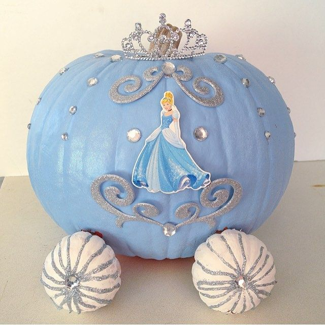 DIY Cinderella pumpkin carriage design that won first place