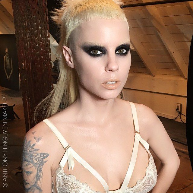 Behind the scenes makeup look on my luv @prawn_star. I think she's an undacova $upamodel. ✨ #yolandivisser #yolandi #dieantwoord #anthonyHnguyenmakeup #smokeyeye #fairskin #makeupforeverpro #mac #shuuemura #zef #DieAntwoordWEHAVECANDY #ditavonteese #lingerie