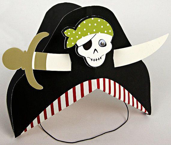 Kinderen zullen graag sail de zeeën als een piraat met deze fantastische hoeden van de partij. Deze leuke feest hoeden uitklapbare in een pirate-hoed, versierd met een schedel en botten Kruis en doorboord met een zwaard pirate.  Perfect voor verjaardagspartijen, of gewoon voor de lol. Het is de perfecte manier om te vieren als een ware buccaneer! Maakt ook een grote partij gunst!  Set bevat 12 Pirate Party hoeden De afmetingen van de hoed: 5U L x 6 (ca.)  Deze piraat feestmutsen coördineren…