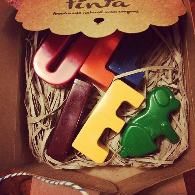 Personalising crayons is such fun, especially when you get to pop a little puppy in too   a special little boy is getting this set  Thanks for sharing this  @minkie_maes   #tintacrayons #personalised #crayons #handmadeau #madeinmelbourne #shopsmall #shoplocal #supportsmallbusiness #partyfavors #learnthroughplay #educationaltoys #etsyau #etsyshop #etsymlm #dog #puppy #colour #boy #ollie #name