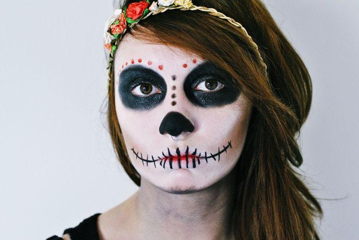trucchi-semplici-per-halloween-donna-sugar-skull-bocca-cucita-accessorio-capelli