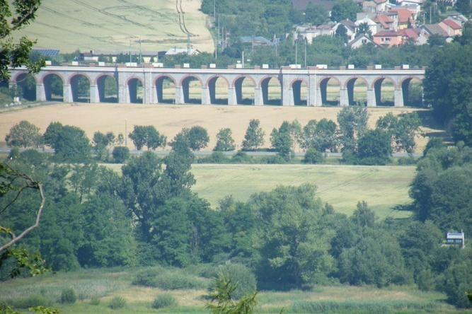 Galerie - Železniční viadukt u Jezernice (Most) • Mapy.cz