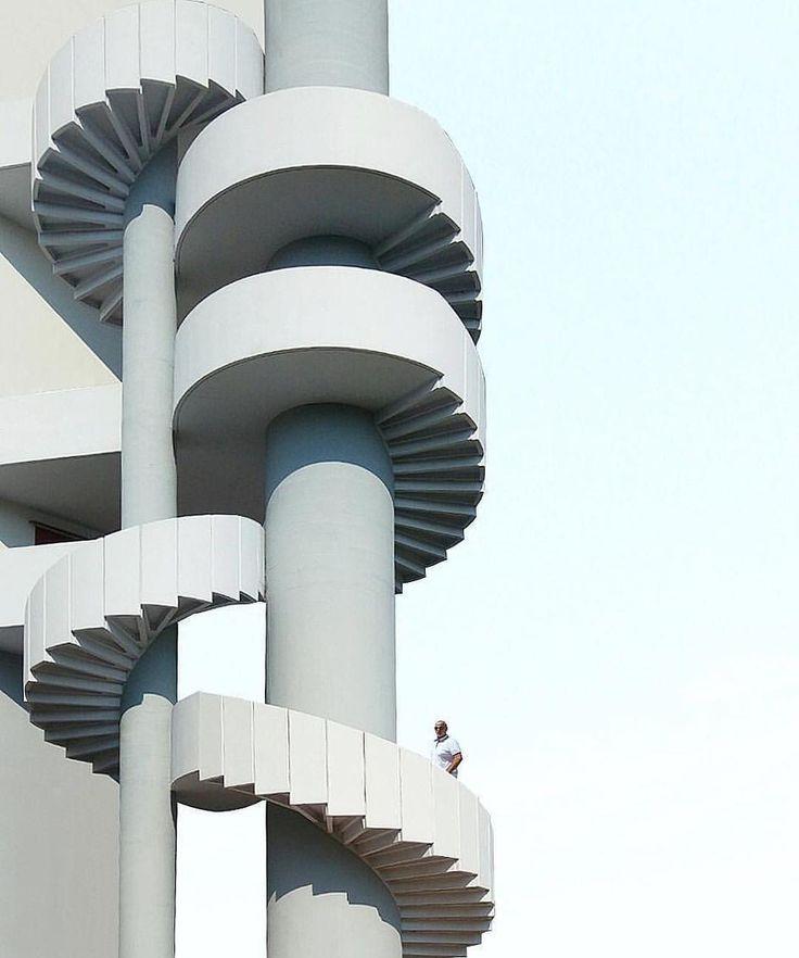 Inspiring Spiral Staircase: Best 25+ Spiral Stair Ideas On Pinterest