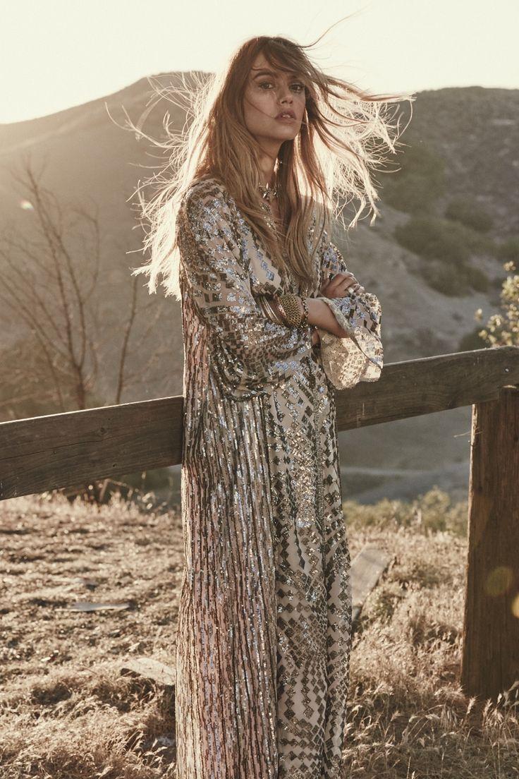 Boho chic maxi dress & hippie jewelry. https://www.pinterest.com/happygolicky/the-best-boho-chic-fashion-bohemian-jewelry-gypsy-/